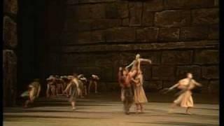 Spartacus – Slave dance