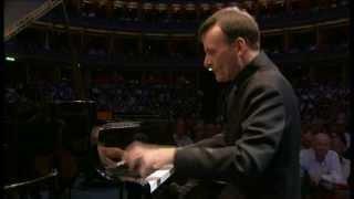 Variations on a Theme of Paganini (comienza en el 1´30´´)