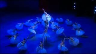 Swan Lake, Danses des cygnes